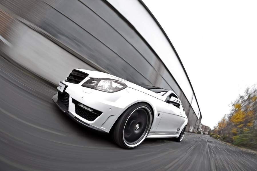 VAETH-Mercedes-C63-AMG-Coupe-2